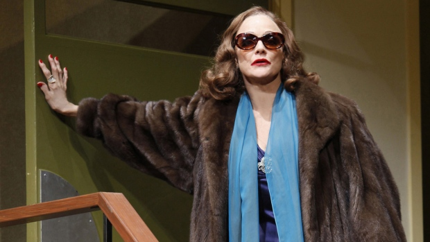 Valerie Harper as Tallulah Bankhead in 'Looped'