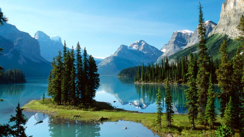 Spirit Island on Maligne Lake in Jasper National Park is shown in this undated handout photo. (THE CANADIAN PRESS/HO - Hugh Lecky)