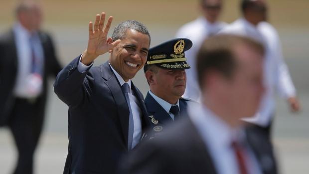 Barack Obama departs Manila, Philippines