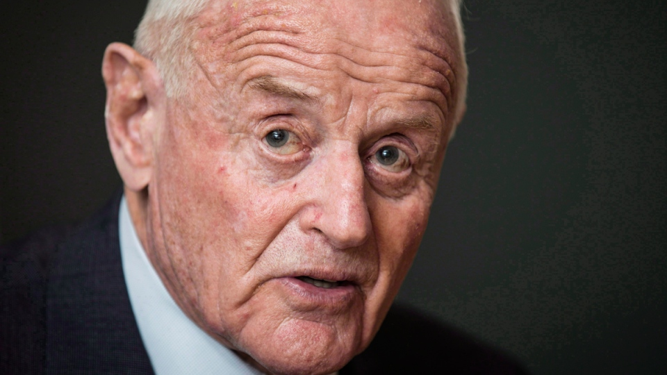 Barrick Gold chairman Peter Munk in Toronto, December 4, 2013. (THE CANADIAN PRESS / Mark Blinch)