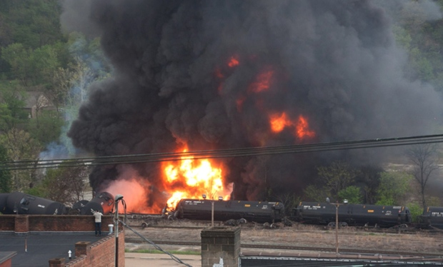 Tanker cars derail in Lynchburg, Virginia