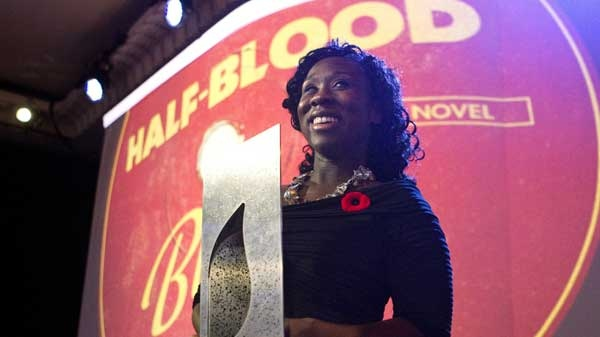 "Esi Edugyan accepts the Scotiabank Giller Prize award for the book ""Half-Blood Blues"" in Toronto on Tuesday November 8, 2011."