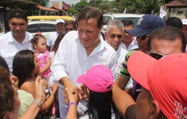 Juan Carlos Varela greets voters in Panama