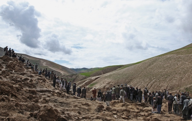 Clashes over aid at Afghan landslide site