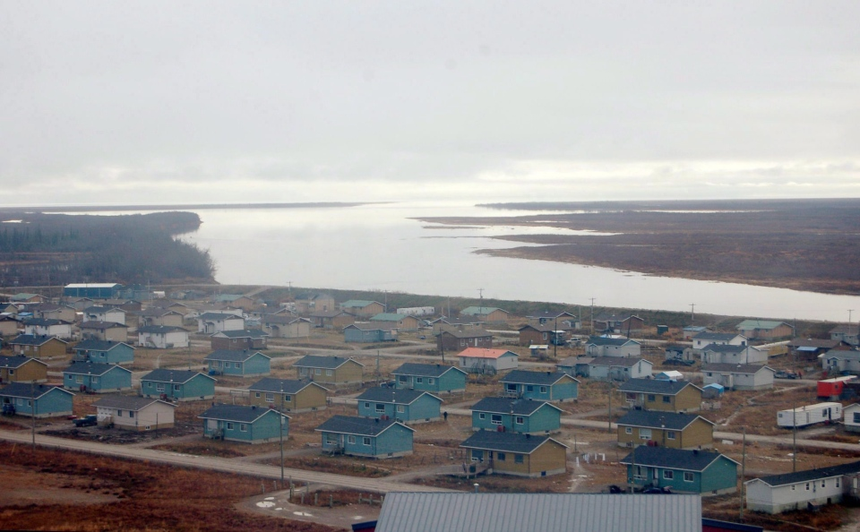 The Northern Ontario community of Kashechewan is seen in this undated handout aerial photo. (THE CANADIAN PRESS)