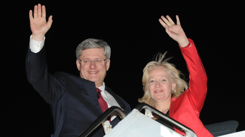 Prime Minister Stephen Harper and wife Laureen arrive in Honolulu, Hawaii on Fridayday, November 11, 2011, to attend the Asia Pacific Economic Cooperation (APEC) summit. THE CANADIAN PRESS/Sean Kilpatrick