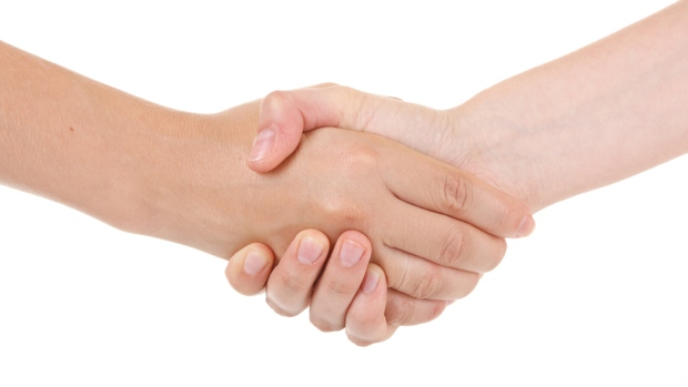 Handshake strength can reveal age, study says