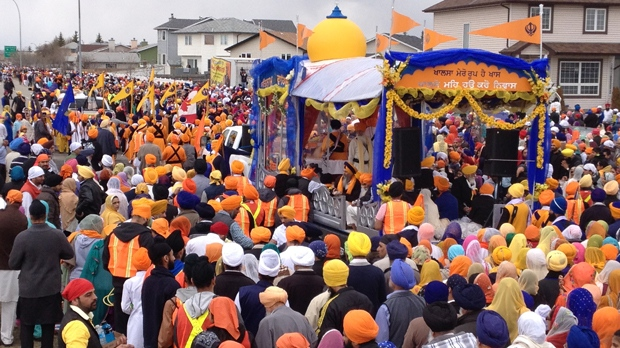Estimated Crowd Of 20 000 Gathers For Annual Sikh Day