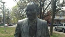King of Kensington statue vandalized