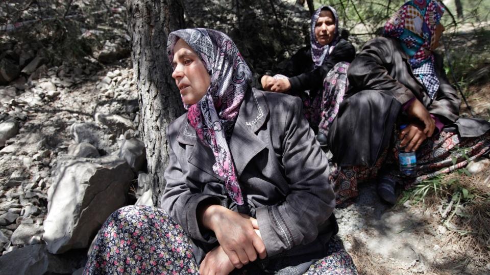Relatives of miners wait near a coal mine in Soma, western Turkey, Thursday, May 15, 2014. (AP / Lefteris Pitarakis)