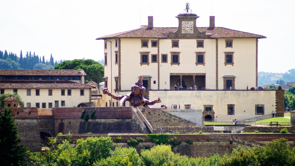 Kardashian and West to marry in Forte Belvedere