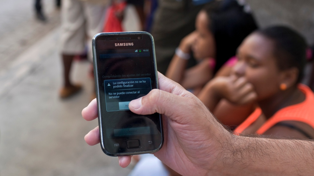 Cuba cellphone service disruptions