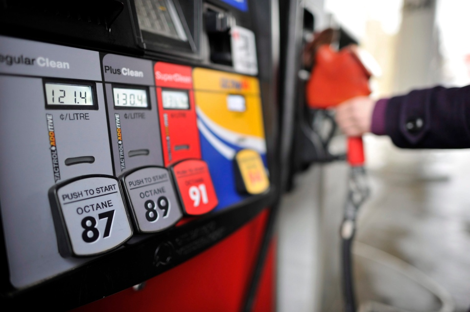 Turmoil in Iraq will drive gas prices to record highs over the weekend, according to a gas price expert. (Patrick Dell / THE CANADIAN PRESS)