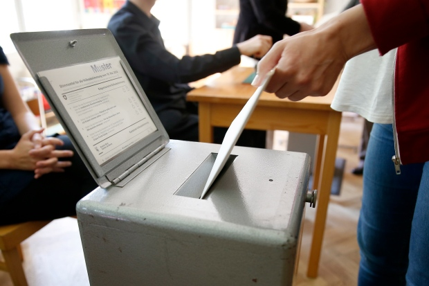 Swiss voting on highest minimum wage