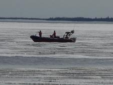 Coast Guard plucks two from Lake Winnipeg