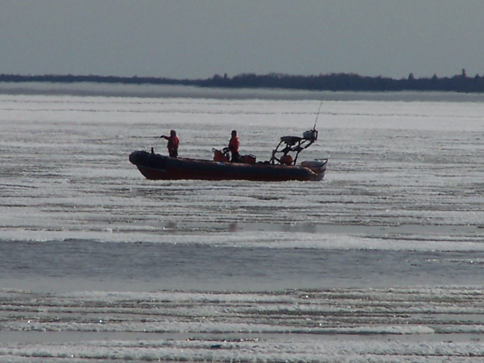 Coast Guard plucks two from Lake Winnipeg