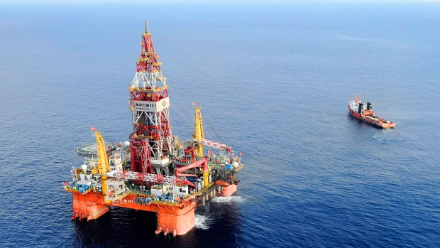 CNOOC 981 oil rig in the South China Sea
