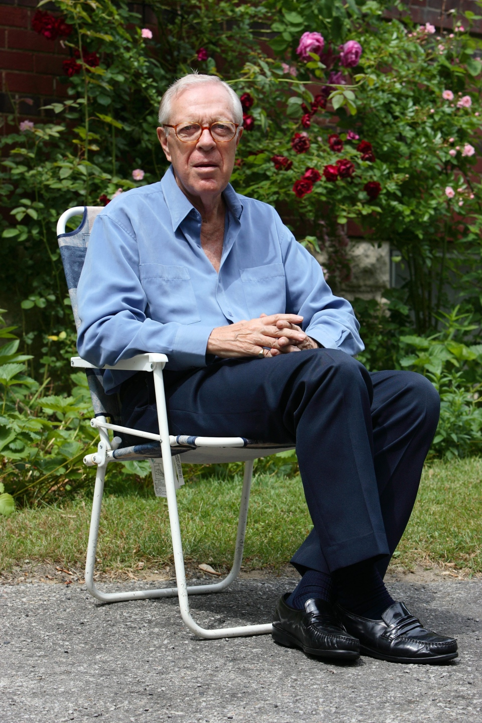 Knowlton Nash at his home in Toronto on Wednesday June 21, 2006. (CP PHOTO/Frank Gunn)