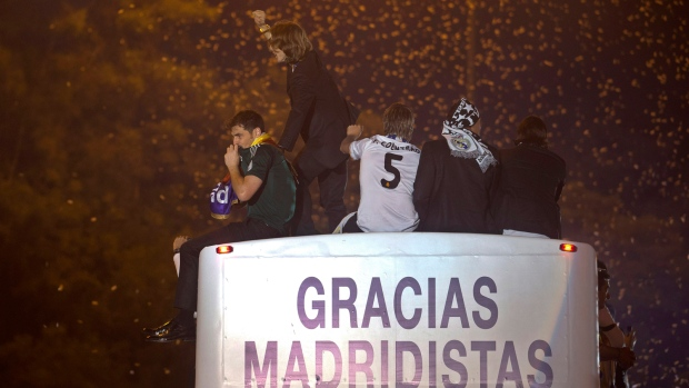 Real Madrid fans celebrate big win