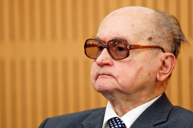 Wojciech Jaruzelski dies at age 90