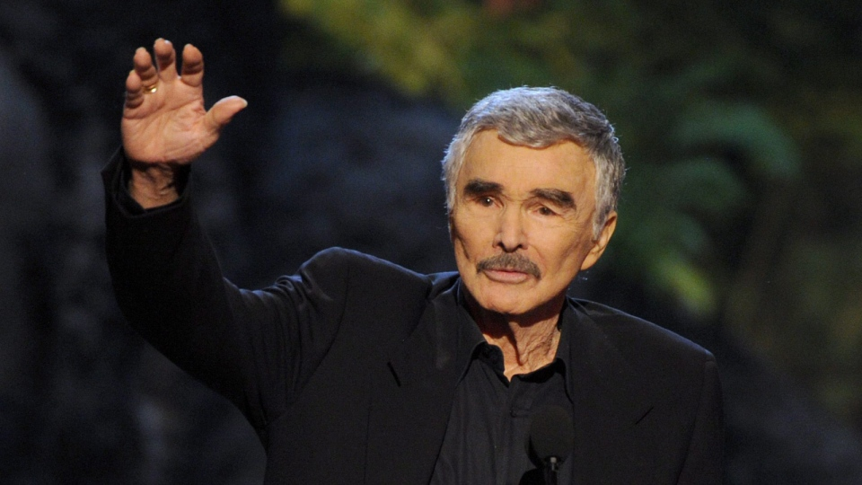 Burt Reynolds accepts the alpha male award at Spike TV's Guys Choice Awards at Sony Pictures Studios in Culver City, Calif., Saturday, June 8, 2013. (Photo by Frank Micelotta/Invision/AP)