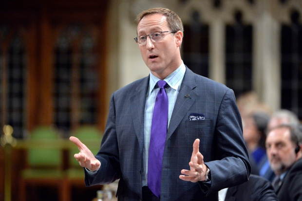 Peter MacKay wants to talk to Quebec about judges