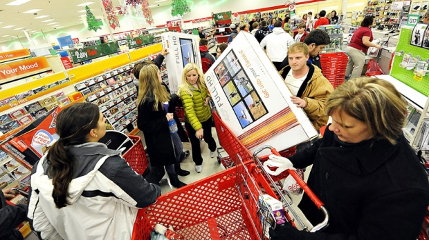 Large lines and scattered violence on Black Friday