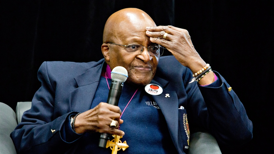 Archbishop Desmond Tutu speaks during a press conference in Fort McMurray, Alta. on Friday May 30, 2014. (Jason Franson / THE CANADIAN PRESS)