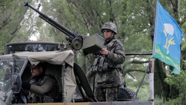 Ukrainian army paratroopers in Slovyansk