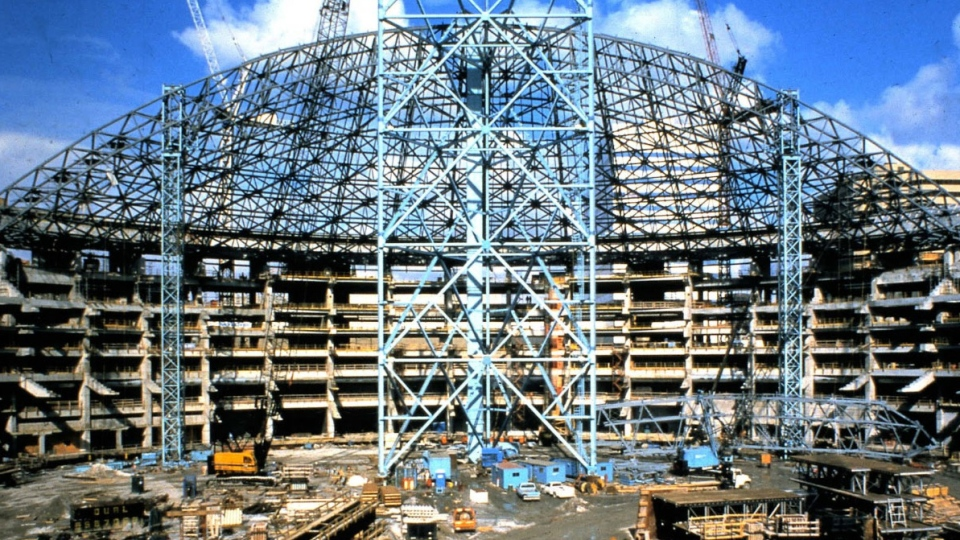 The SkyDome was under construction from 1986 to 1989. (EllisDon Construction)