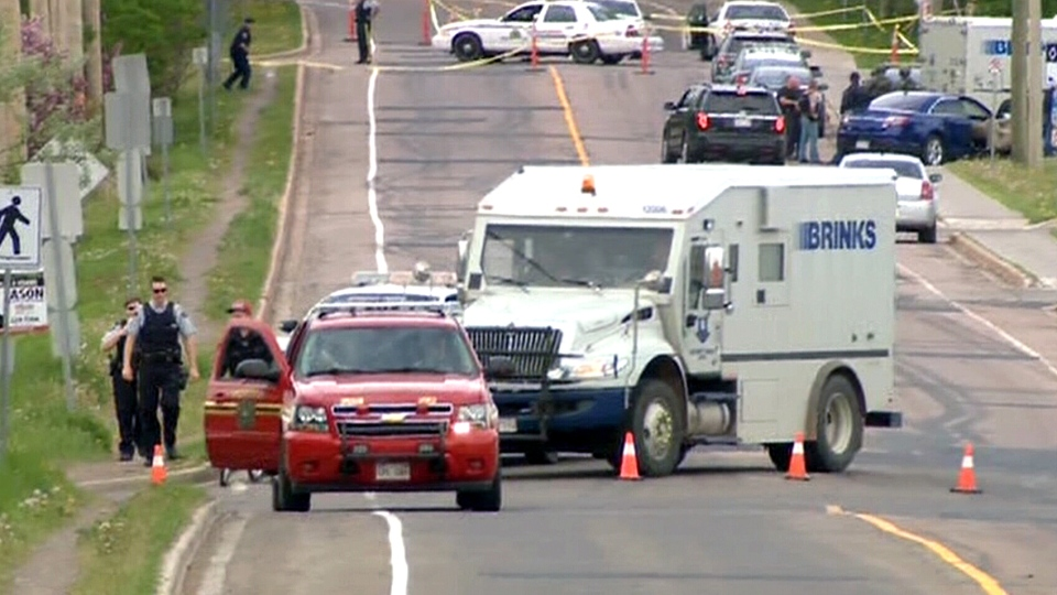 Manhunt in Moncton live details police on scene