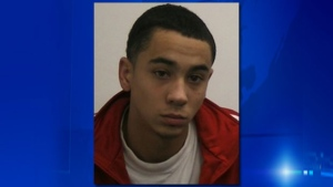 18-year-old Devontay Hackett is wanted on a Canada-wide warrant in the stabbing death of 18-year-old Brandon Volpi. (Ottawa Police Service)