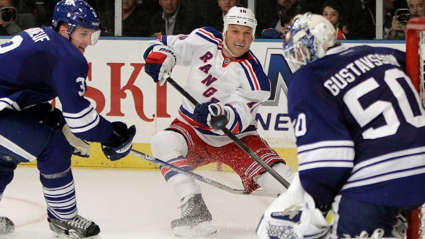 Hockey S Once Most Hated Man Sean Avery Calls Current Nhlers Very
