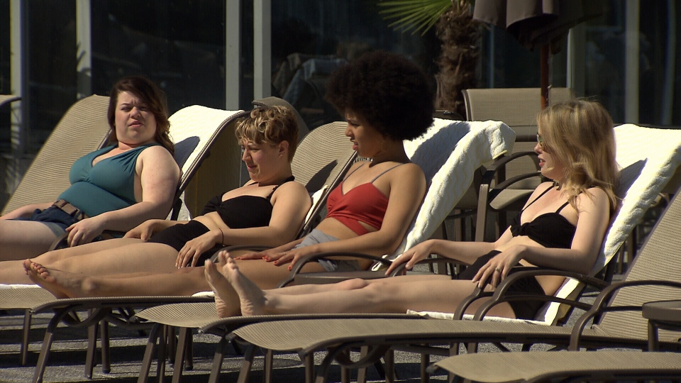 Models for Nettle's Tale lounge on the pool deck at the Fairmont Waterfront Hotel. (CTV)