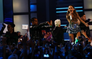 Stars rock out at 2014 MMVAs