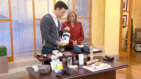 Canada AM travel expert Loren Christie reveals his top stocking stuffers this holiday season for those who love to travel.