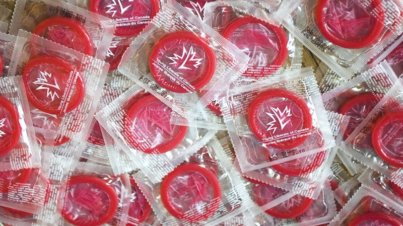 Women are less likely to use condoms with attractive men: study