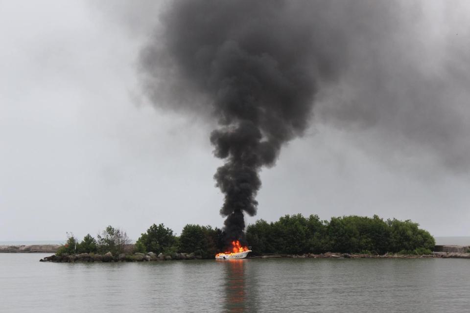 Stolen Elgin OPP police boat
