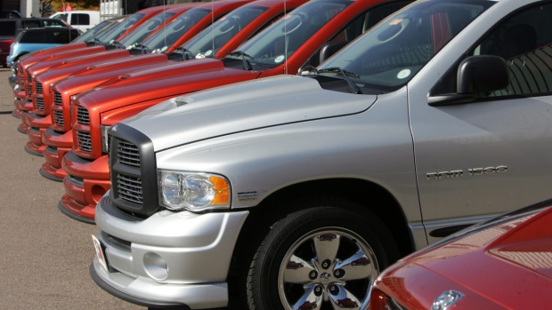 Chrysler Recalls 67 000 Older Model Pickups 4 356 In