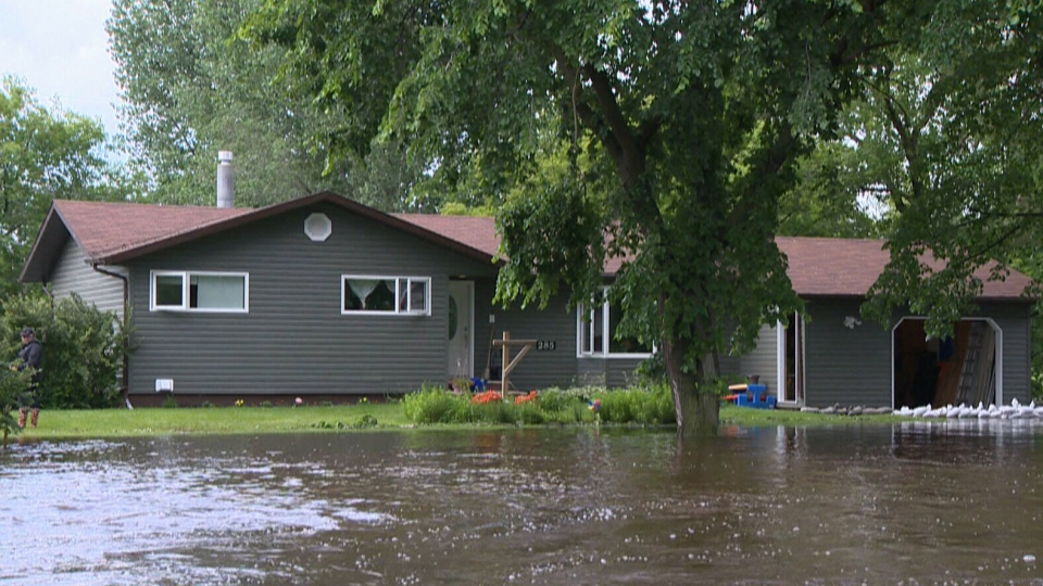 Hundreds forced to evacuate their homes as flood waters continue to rise in Saskatchewan.