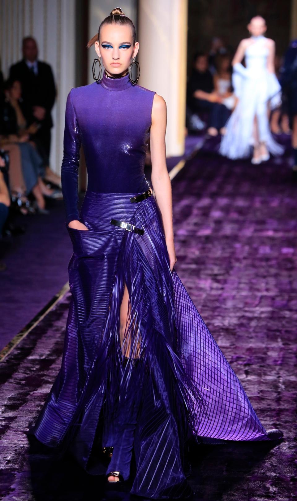 J Lo Versace Lead Paris Haute Couture Revival