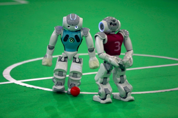 New, human-like technology improves players in Robocup ...
