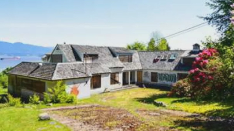 A $25.8-million teardown is for sale in Vancouver's Point Grey neighbourhood. (MLS)