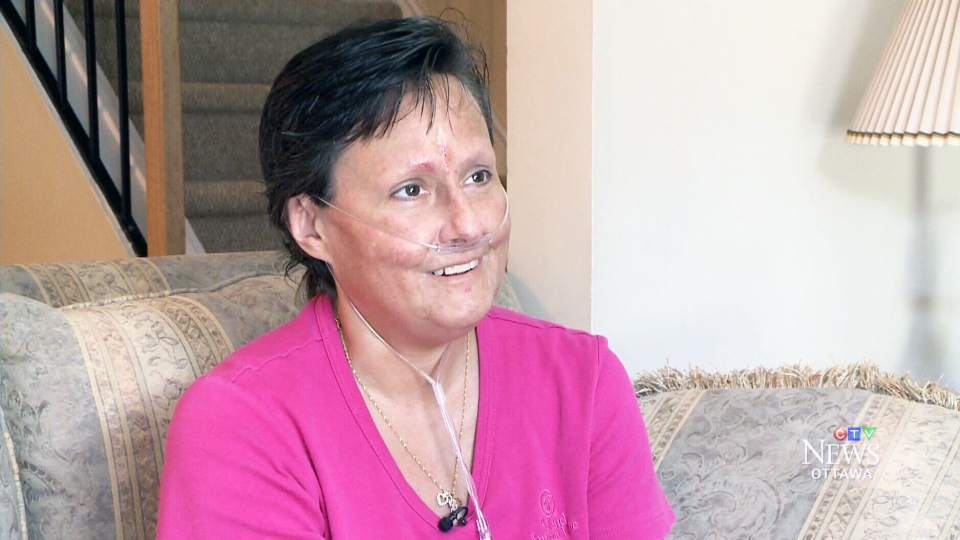 Stephanie Headley says she collapsed when a complete stranger showed up at her door and handed her a $128,000 bank draft for a life-saving medical procedure.