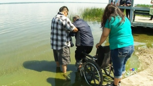 Thousands believe lake in Alberta holds l healing