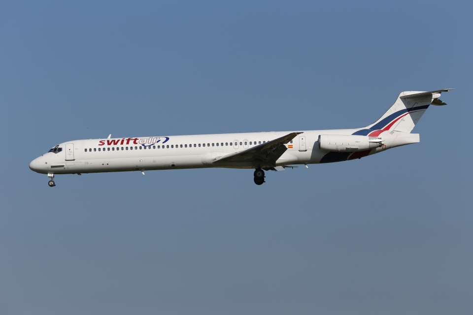 This photo taken on Friday, May 16, 2014 shows an MD-83 aircraft in the livery of Swiftair landing at Zaventem Airport Brussels. (AP / Kevin Cleynhens)