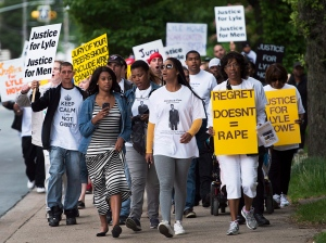 Supporters of Lyle Howe, the Nova Scotia lawyer who was convicted of sexual assault in May, rally in Halifax, Wednesday, June 25, 2014. (Andrew Vaughan / THE CANADIAN PRESS)