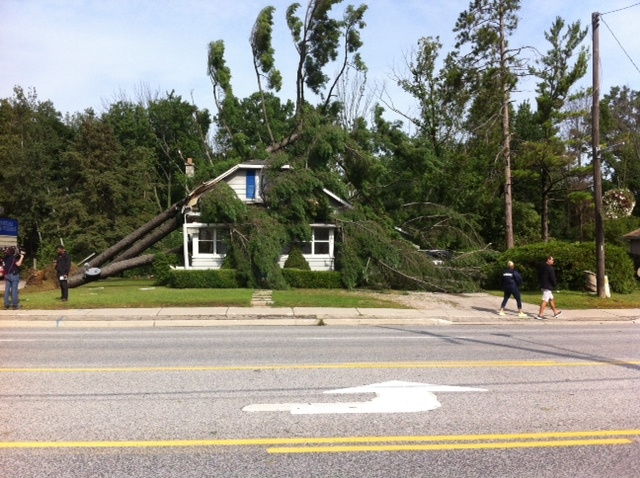 Damage near Grand Bend (James Mitchell / MyNews)