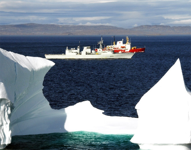 Two Canadian Forces ships take part in Operation Nanook 08 in the Arctic in late August 2008. (Combat Camera / DND)