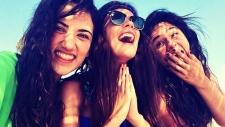 Turkish women defy 'no laughing'